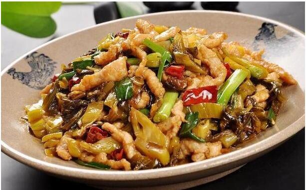 酸菜炒肉丝狮球唛玉米油的做法
